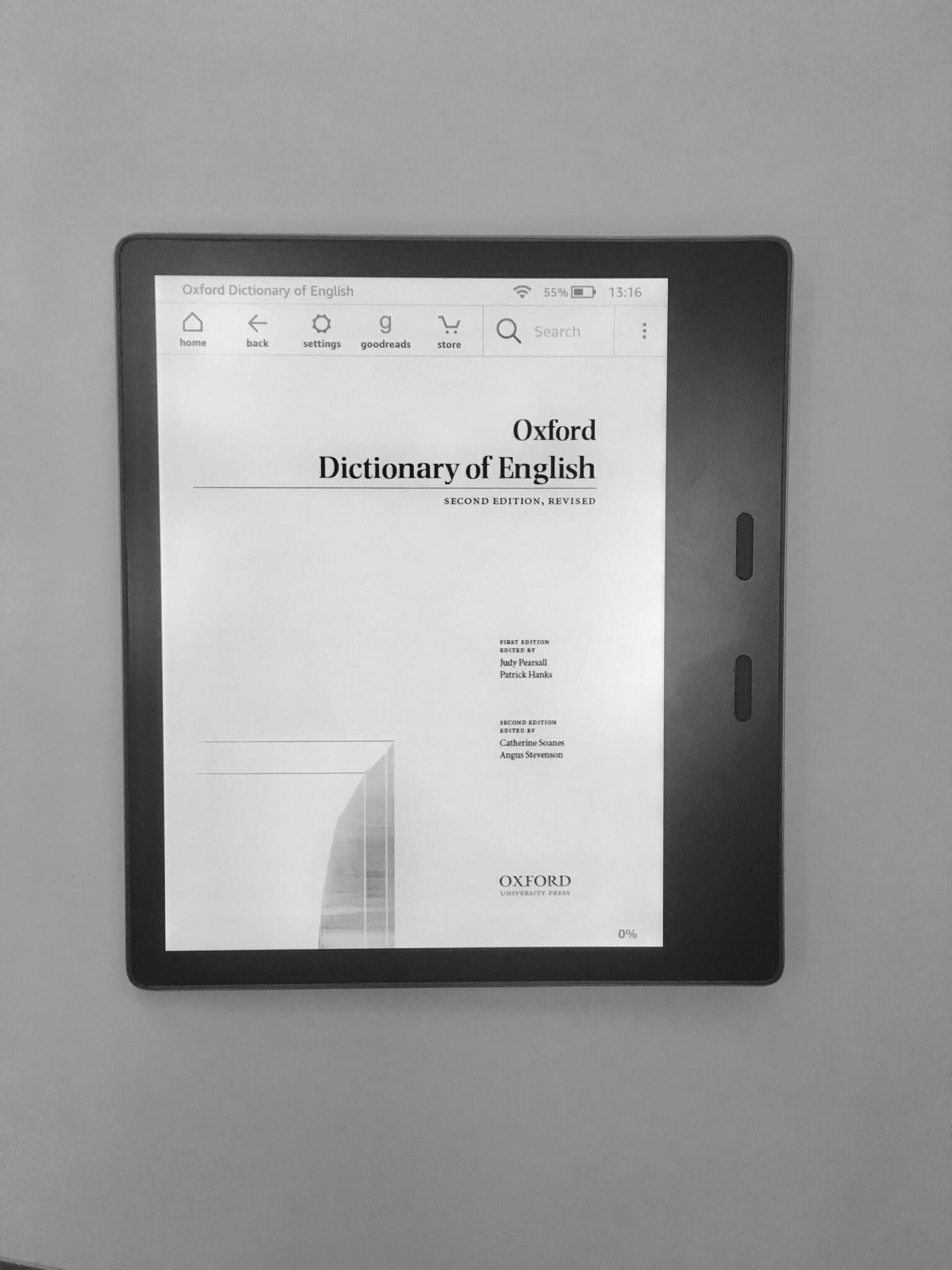 Pękniety ekran e-ink w czytniku.