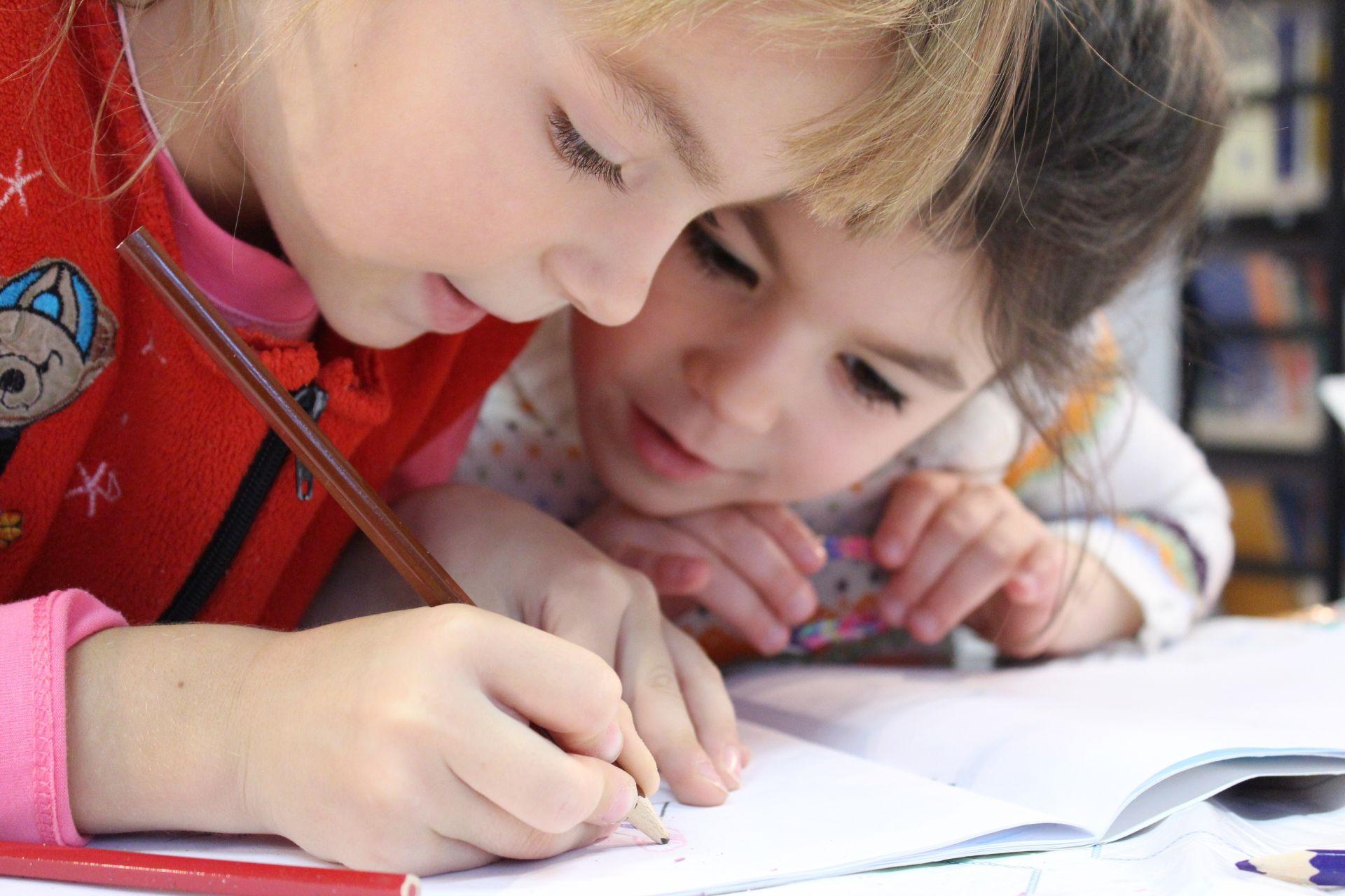 Czy czytnik e-book może przydać się do nauki? - www.naczytniku.pl