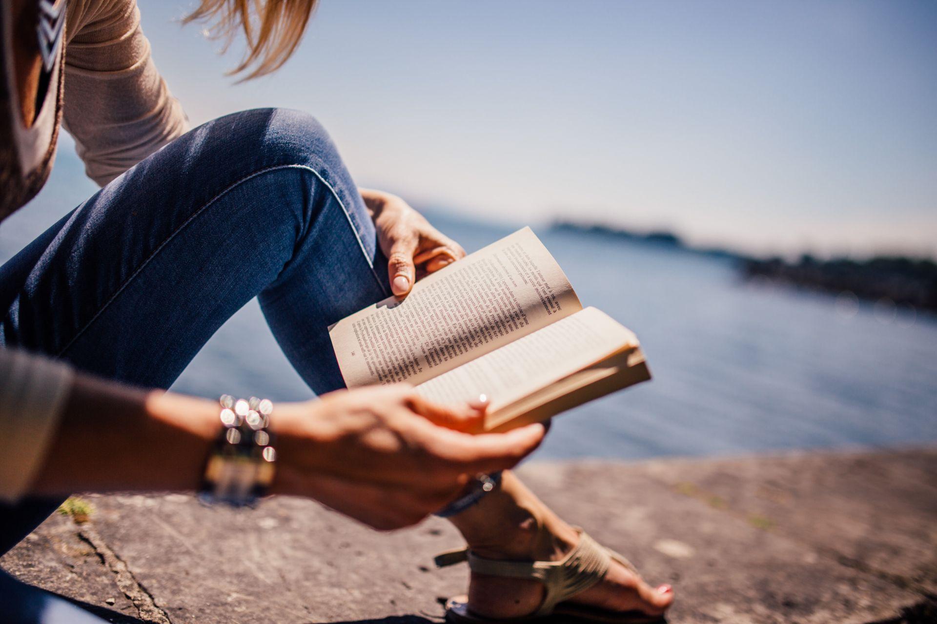 Czytanie pozytywnie wpływa na pracę mózgu