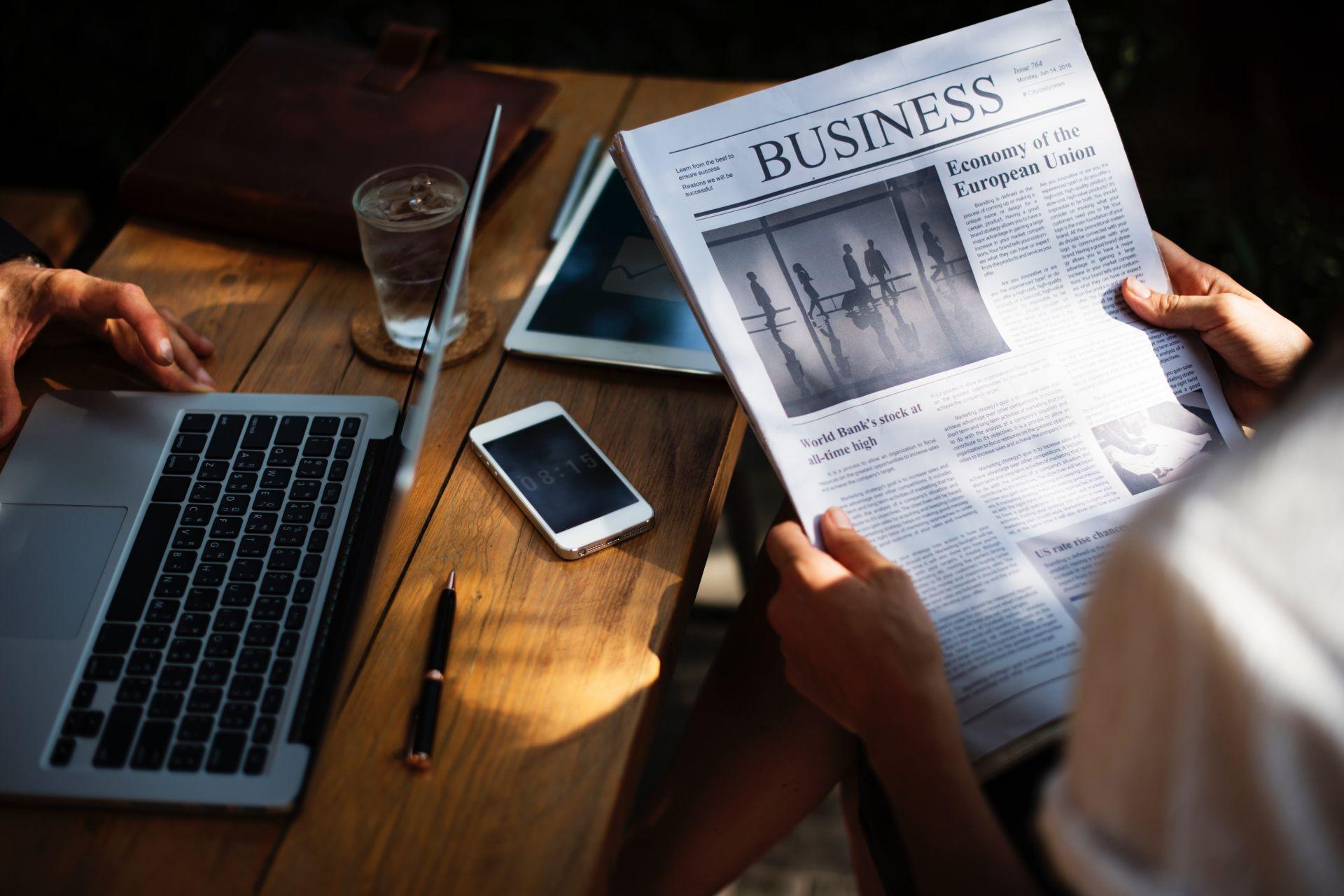 prasa papierowa czy prasa na czytnik ebooków? porównanie