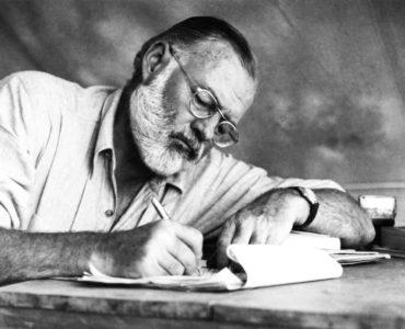 7 wskazówek dla początkujących pisarzy od Hemingwaya