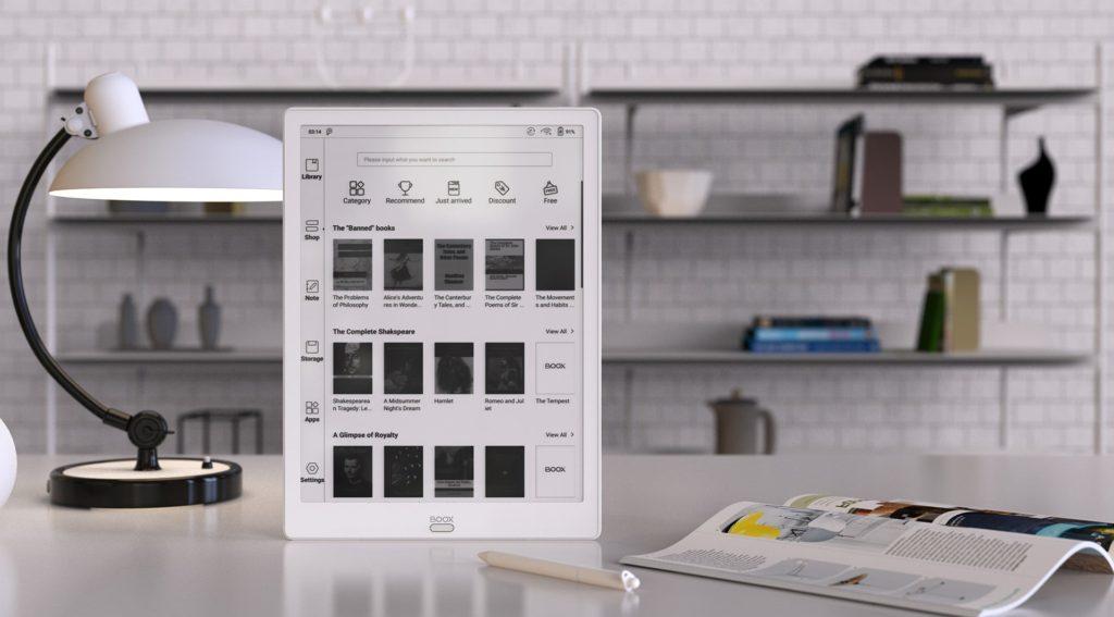 Ponieważ Onyx Boox Max 3 został wyposażony w port HDMI, podłączymy go do laptopa lub do komputera, aby korzystać z niego jako dodatkowego monitora