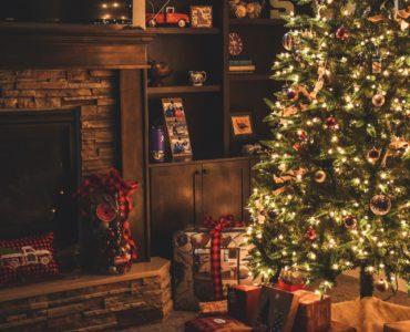 Prezenty pod świąteczną choinką