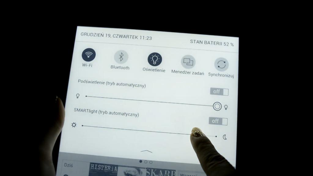 Regulacja podświetlenia na PocketBooku InkPad X