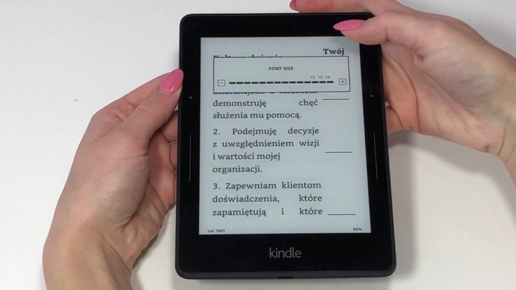 Regulacja podświetlenia ekranu na Kindle Voyage