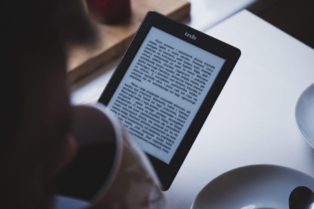 Czytanie książek na czytniku Kindle