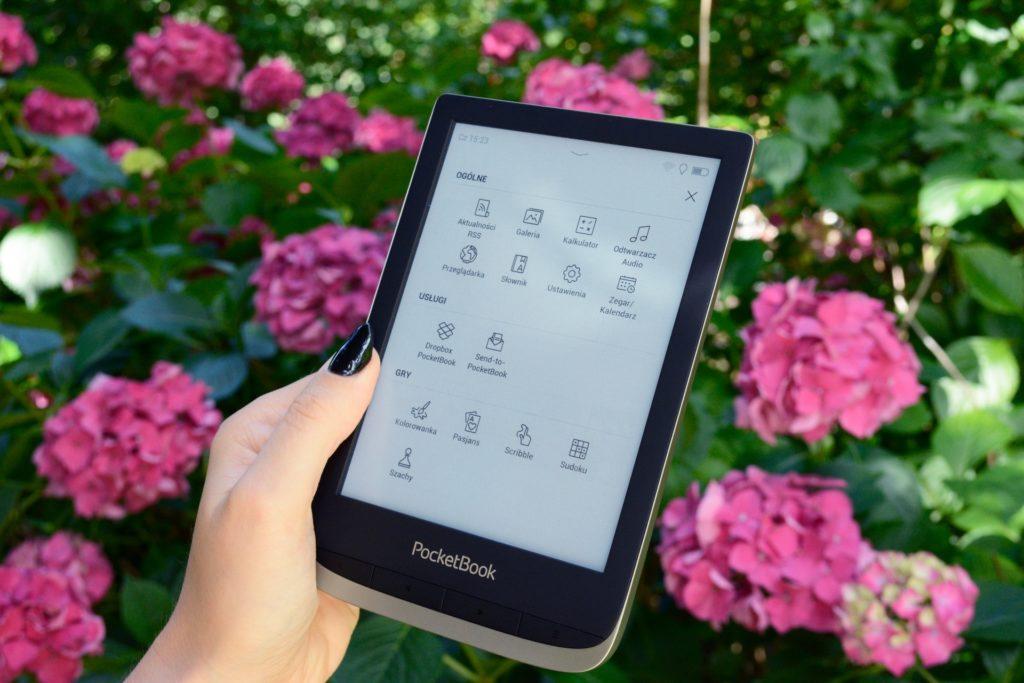 Menu z aplikacjami na PocketBooku Color