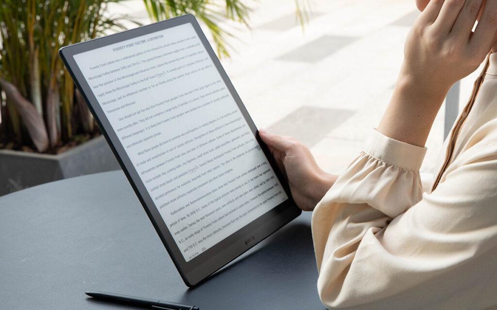 Czytanie ebooków na czytniku Onyx Boox Max Lumi