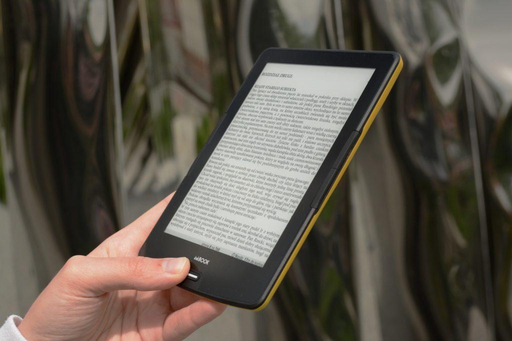 Czytanie ebooków na czytniku InkBOOK Calypso Plus